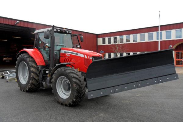 Diagonalplog på traktor